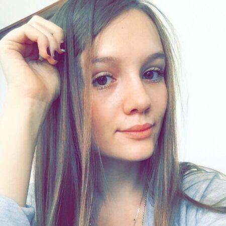Viviane, 18 cherche une partie